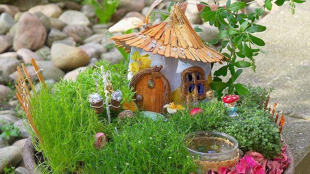 12 DIY Fairy Garden Ideas - How to Make a Miniature Fairy ... - photo#18