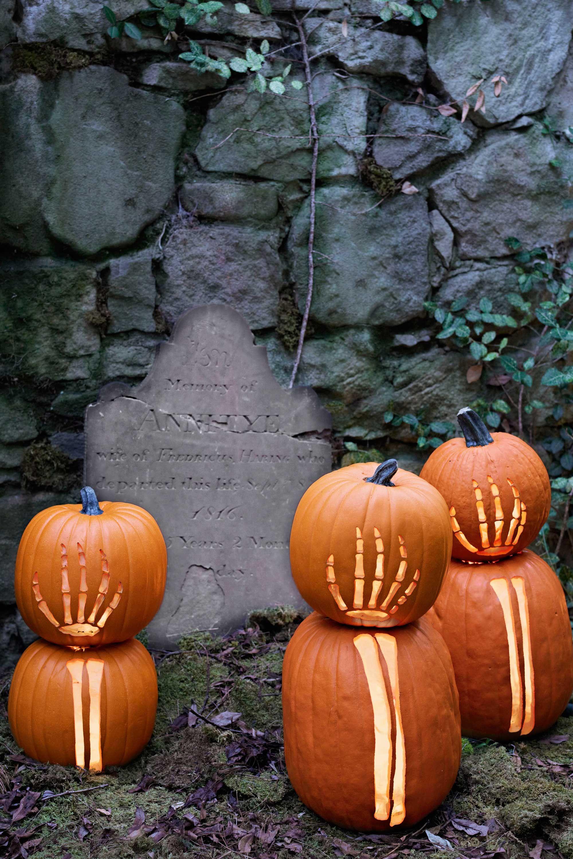 outdoor halloween decorations skeleton pumpkins