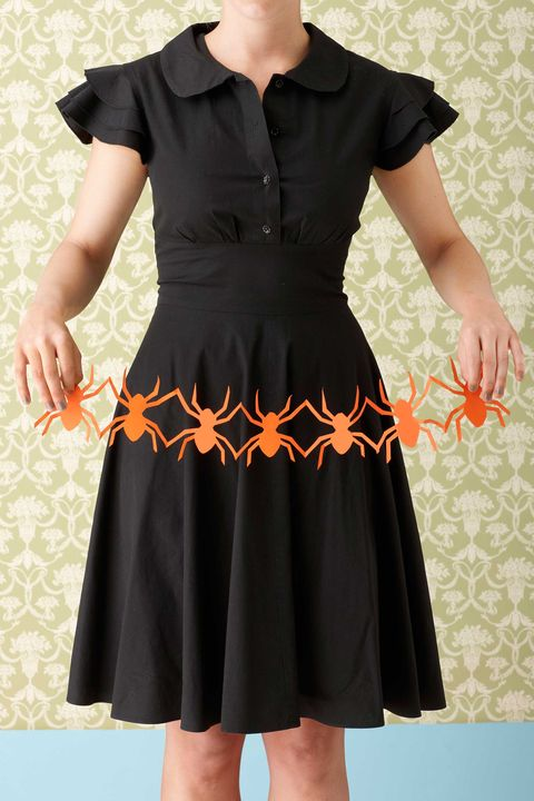 b914d349165 52 Easy Halloween Craft Ideas - Halloween DIY Craft Projects for ...