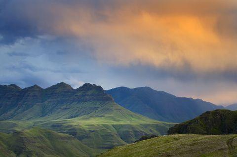 Mountainous landforms, Sky, Highland, Cloud, Hill, Mountain range, Ridge, Valley, Slope, Mountain,