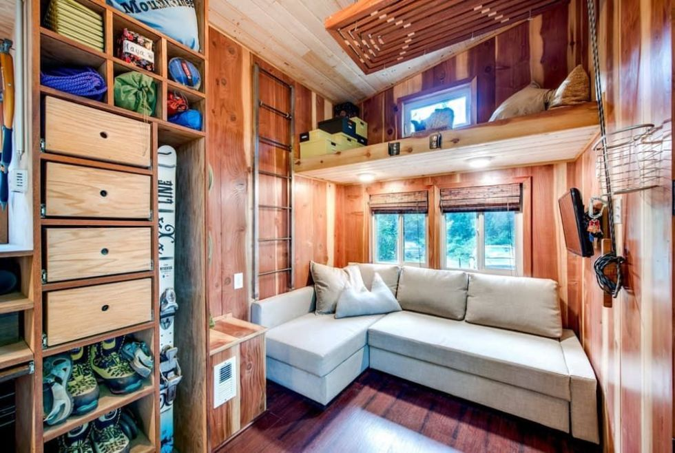 Amazing Tiny House With A Lot Of Storage Space