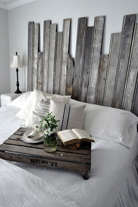 Wood, Room, Wall, Interior design, Hardwood, Home accessories, Grey, Interior design, Throw pillow, Linens,