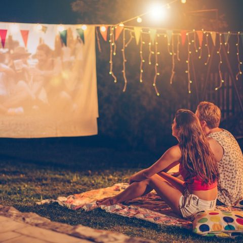 summer bucket list ideas   outdoor movie