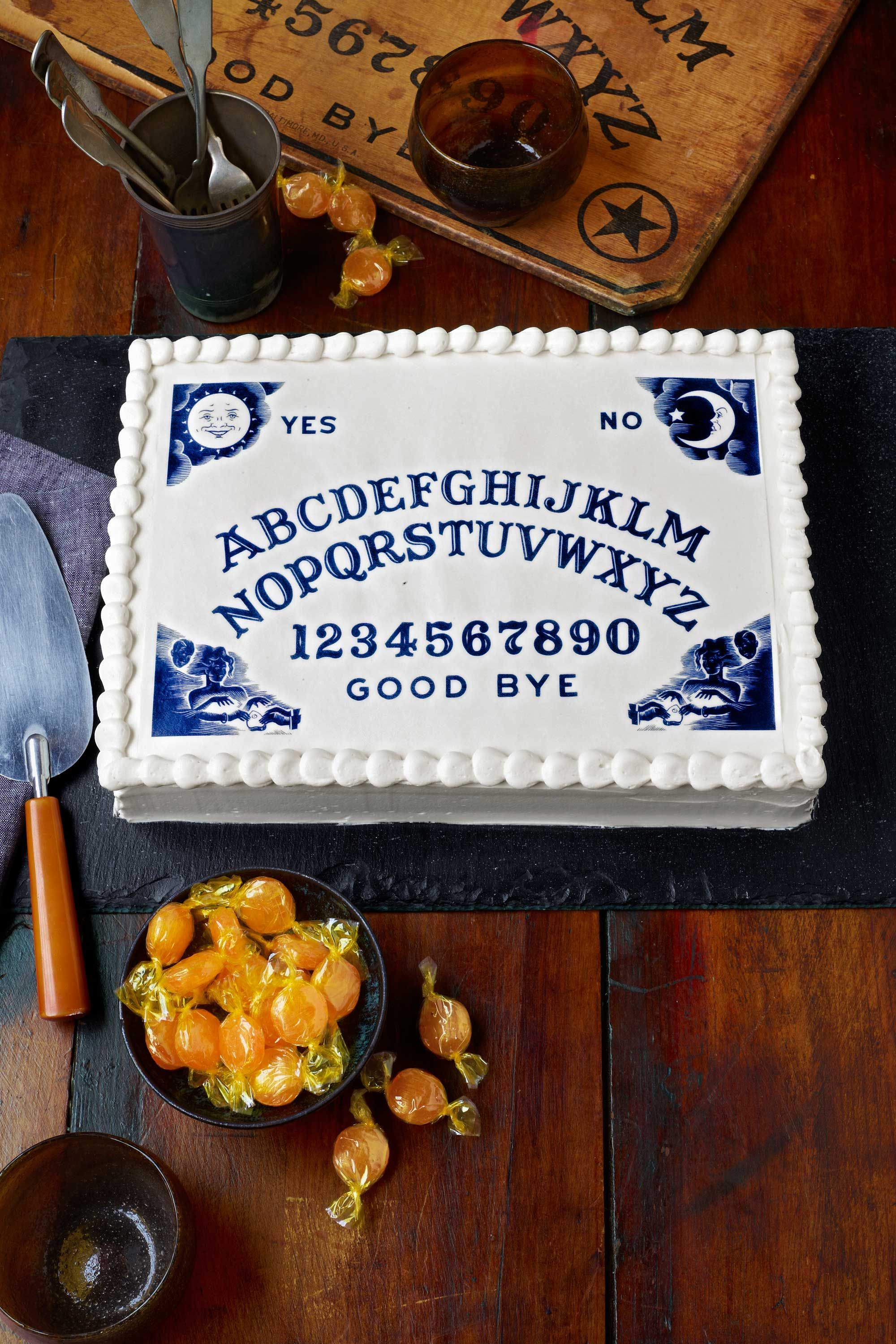 61 easy halloween cakes recipes and halloween cake decorating ideas forumfinder Gallery