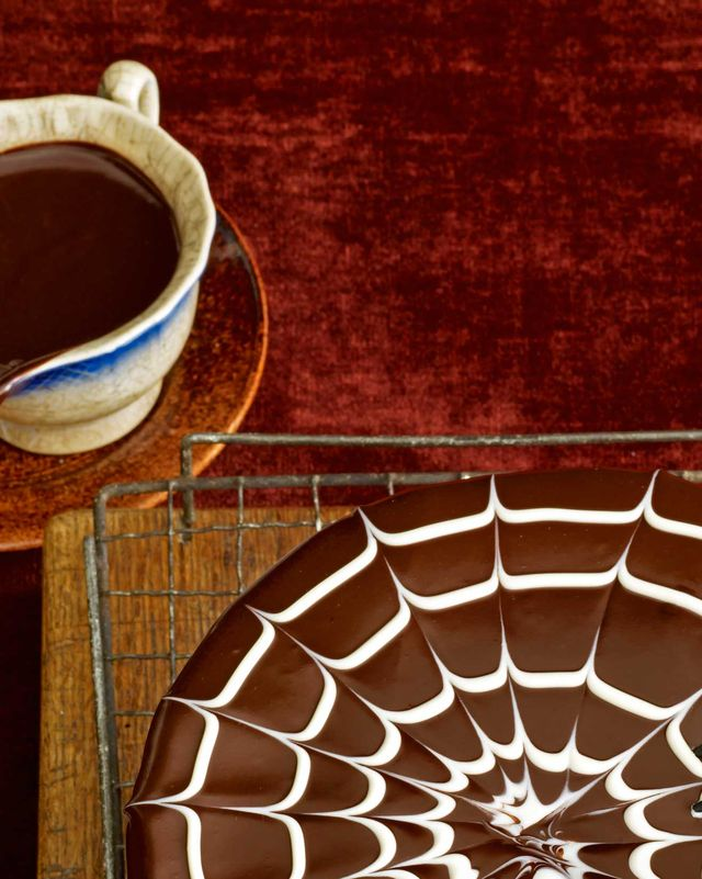 chocolate cake, food, ganache, cake, sachertorte, torte, dessert, cuisine, dish, spider web,