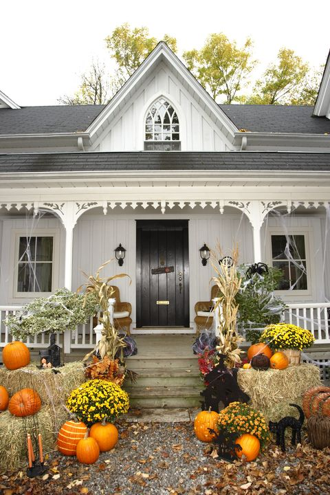 outdoor halloween decorations farmhouse