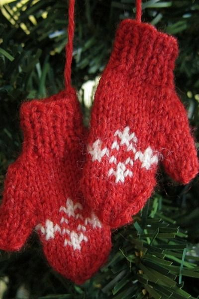 50 homemade christmas ornaments diy crafts with christmas tree mini mittens homemade christmas ornaments solutioingenieria Gallery