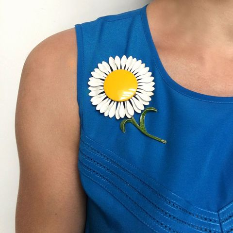 Blue, Yellow, Shoulder, Joint, Sleeveless shirt, Electric blue, Neck, Cobalt blue, Active tank, Back,