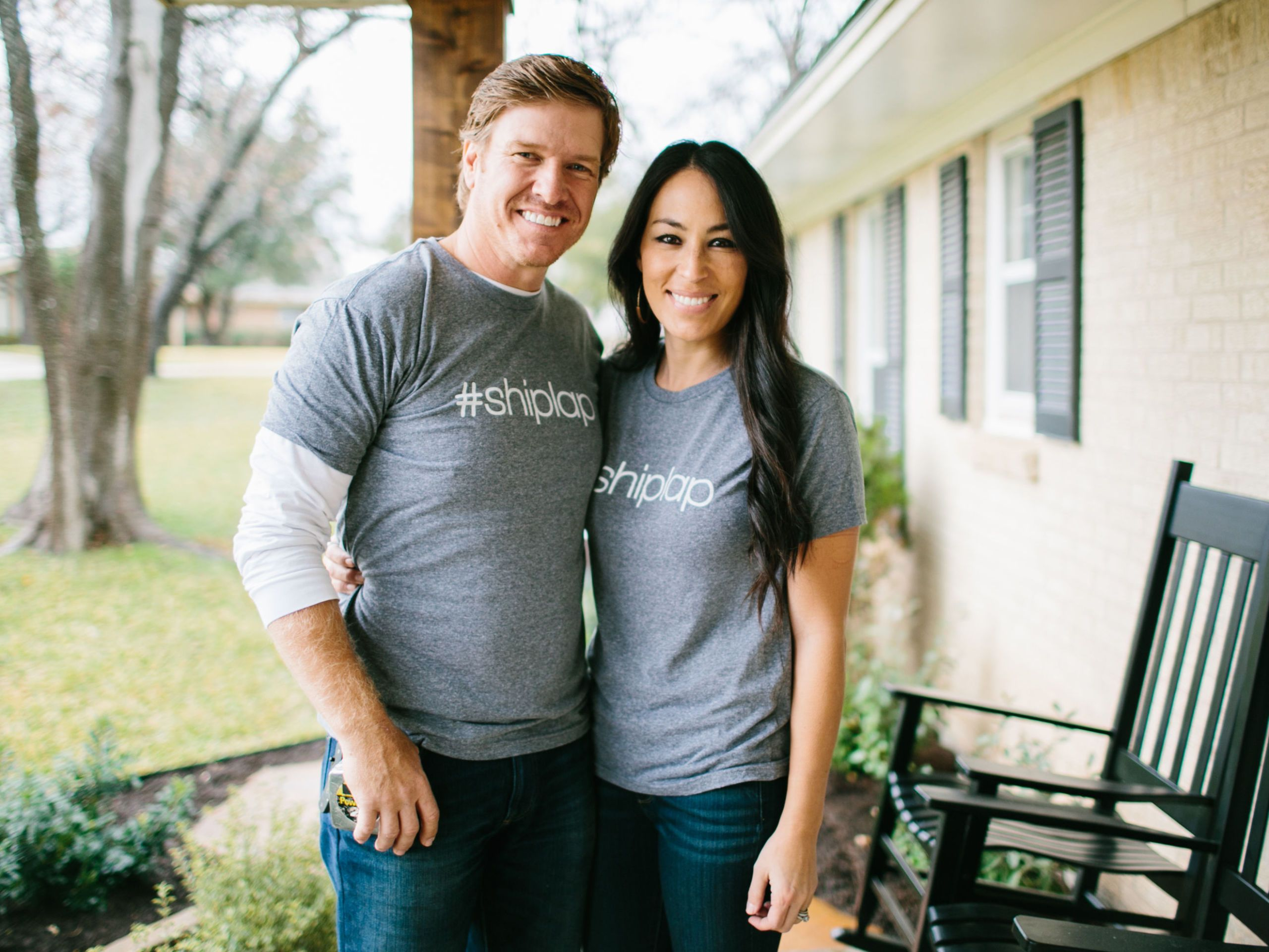 sd aspect 1470100580 original fixer upper gift guide 18 shiplap shirts?resize=768 * joanna gaines shiplap backlash fixer upper style