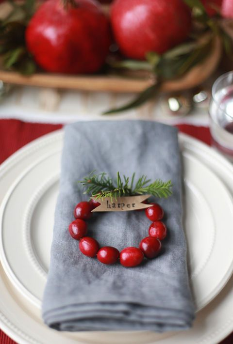 christmas table setting and centerpiece ideas - Christmas Table Decoration Ideas Easy