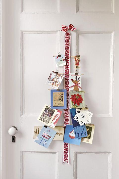 27 diy christmas card holder ideas how to display - Christmas card display ideas ...