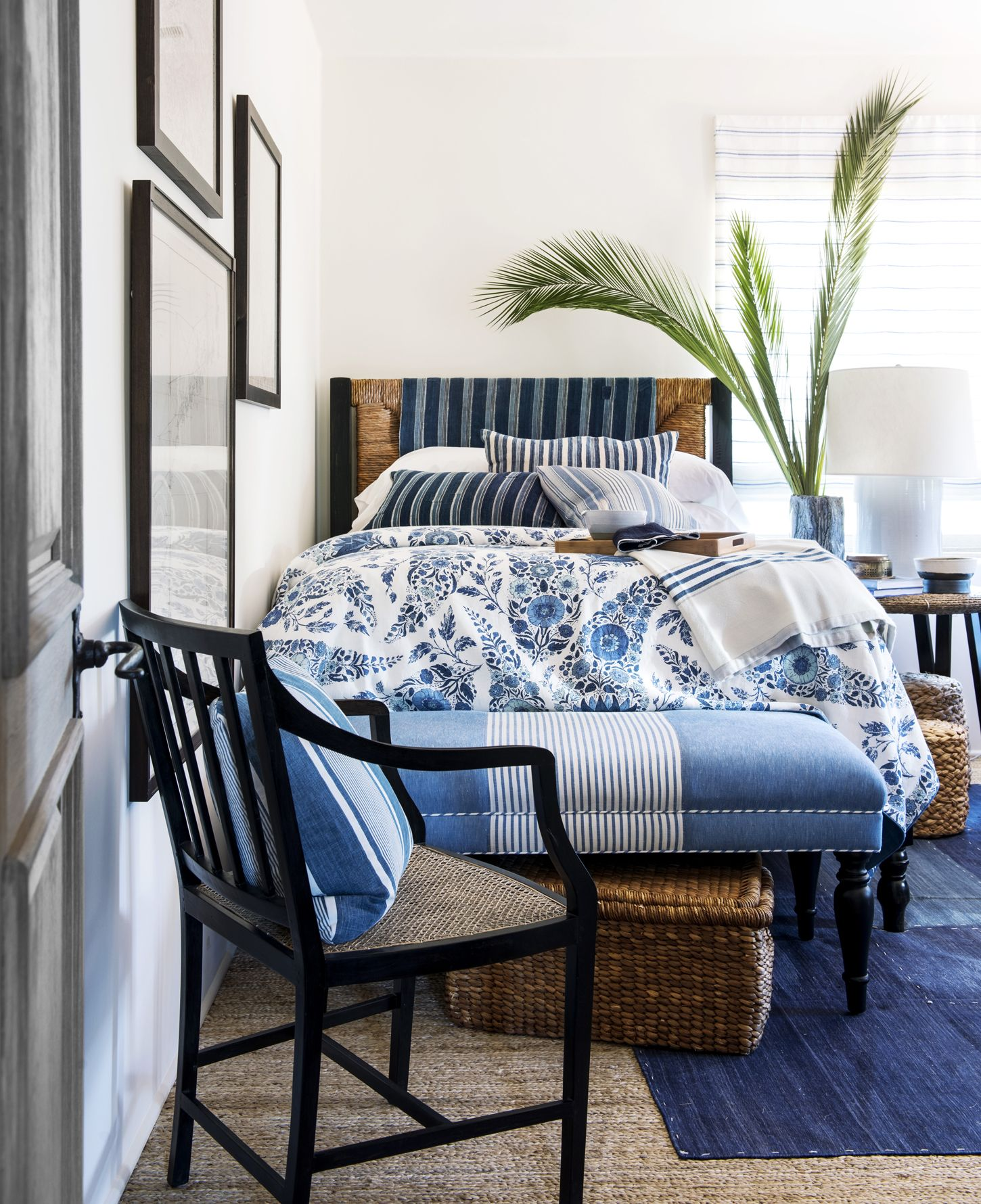 Blue and White Rooms Decorating