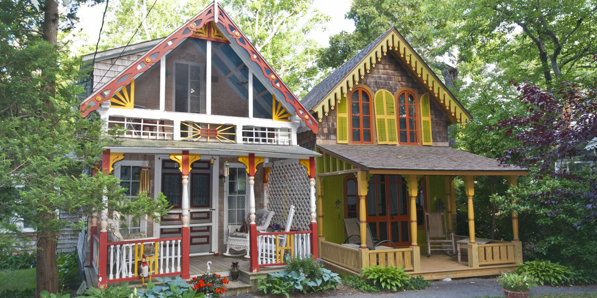 the history of martha s vineyard gingerbread houses oak bluffs rh countryliving com martha's vineyard cottages history martha vineyard methodist campground cottages