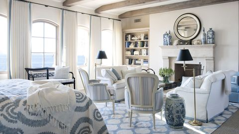 Blue And White Rooms Decorating With Blue And White Mesmerizing Blue And White Living Room Decorating Ideas