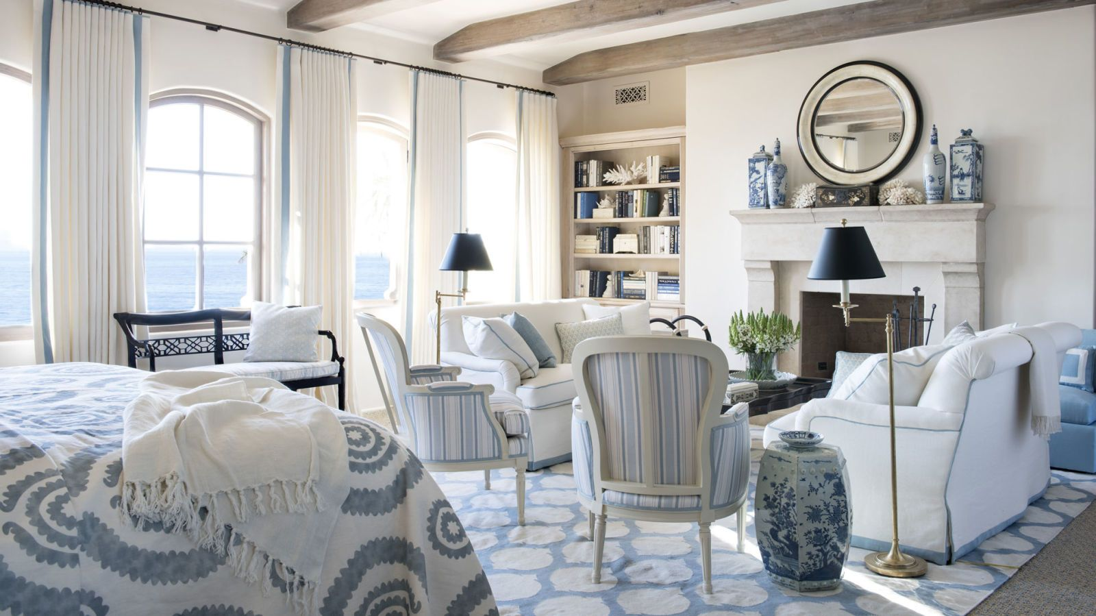 Nice 18 Classic Ways To Decorate With Blue And White