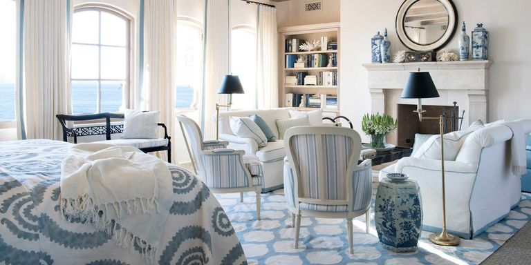 Blue and white rooms decorating with blue and white for Decorating with blue and white pottery