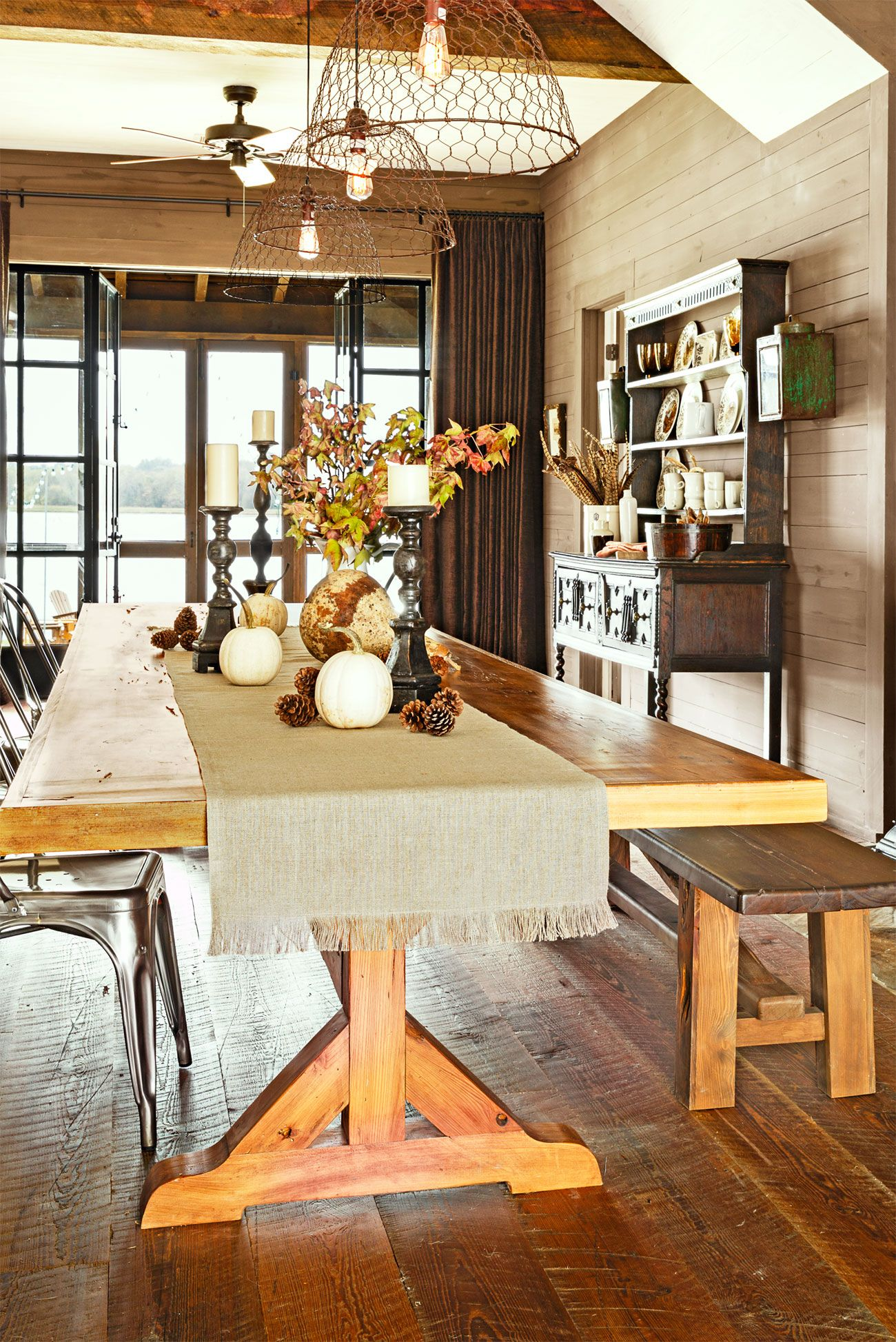 51 Fall Table Centerpieces - Autumn Centerpiece Ideas