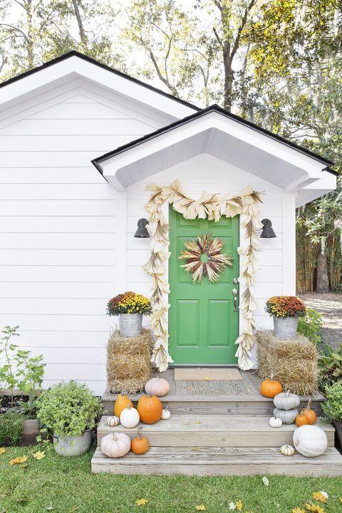 Fall Porch Decorating Ideas Corn Husks