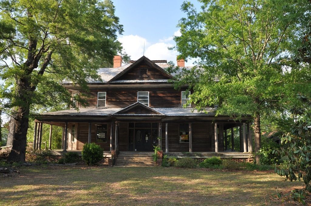 We Can't Believe This Historic South Carolina Home Is Only