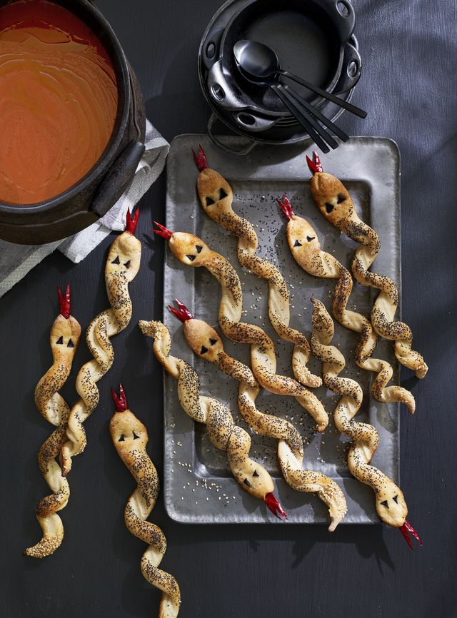 halloween breadstick snakes