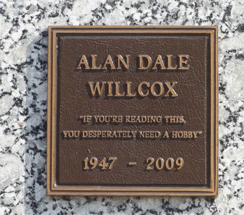 Text, Font, Commemorative plaque, Rectangle, Memorial, Brass, Nameplate,
