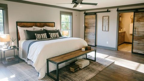 Fixer Upper First Single Guy Fixer Upper Behind The