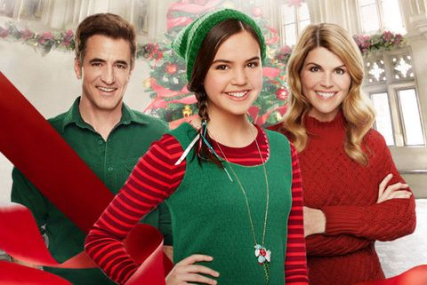 Smile, Green, Sleeve, Red, Happy, Facial expression, Holiday, Youth, Sweater, Necklace,