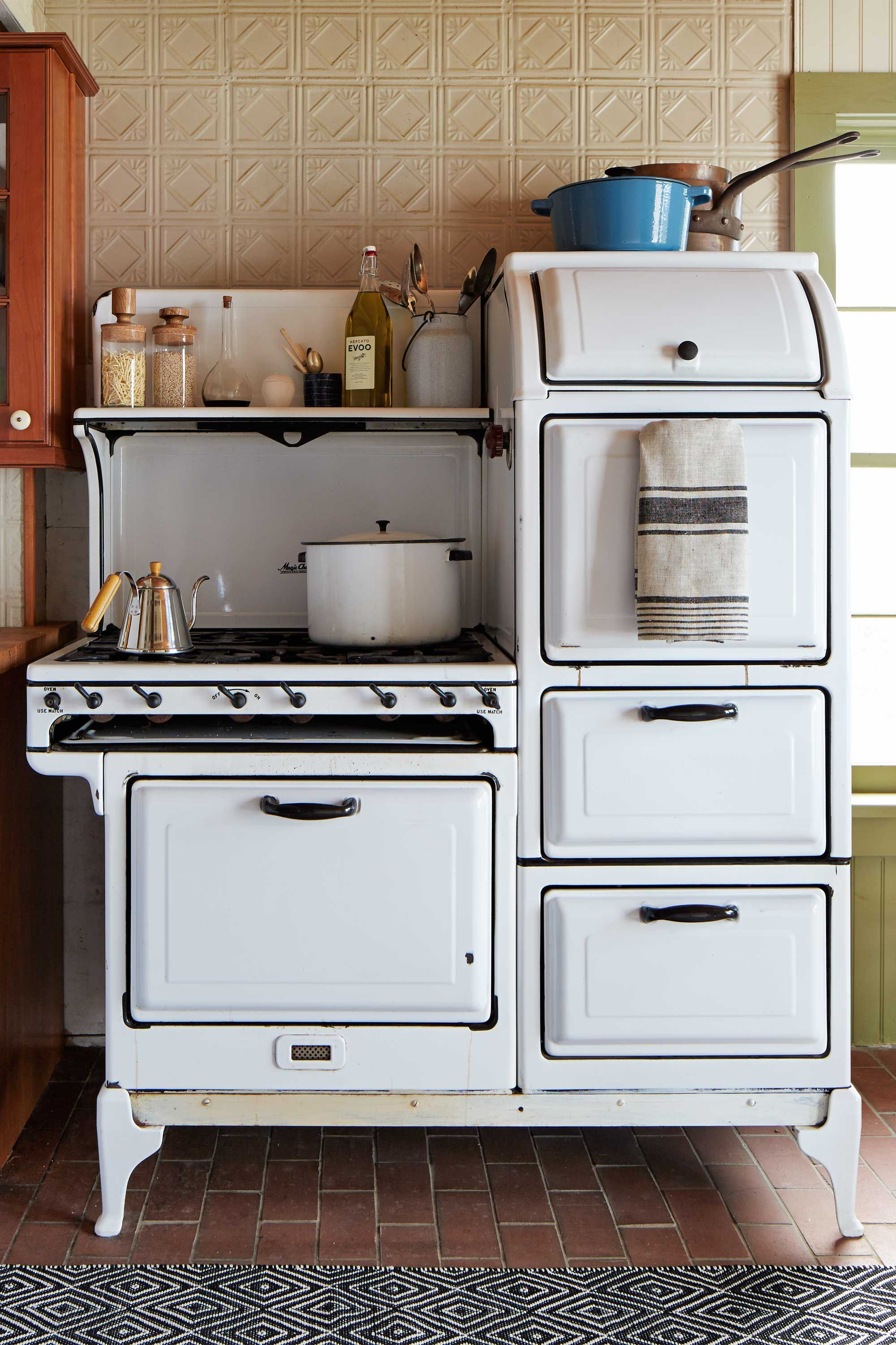 Max Kim Bee. Stoves With Multiple Compartments