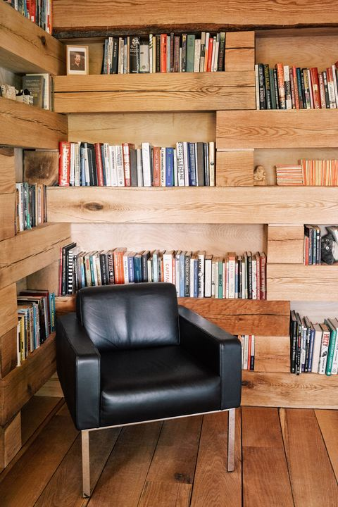 Tiny Library In The Woods Studio Padron