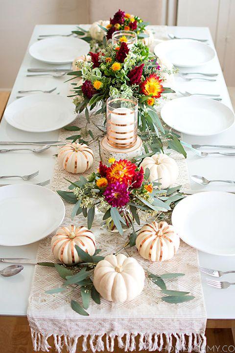 Fall Flower Thanksgiving Table Setting