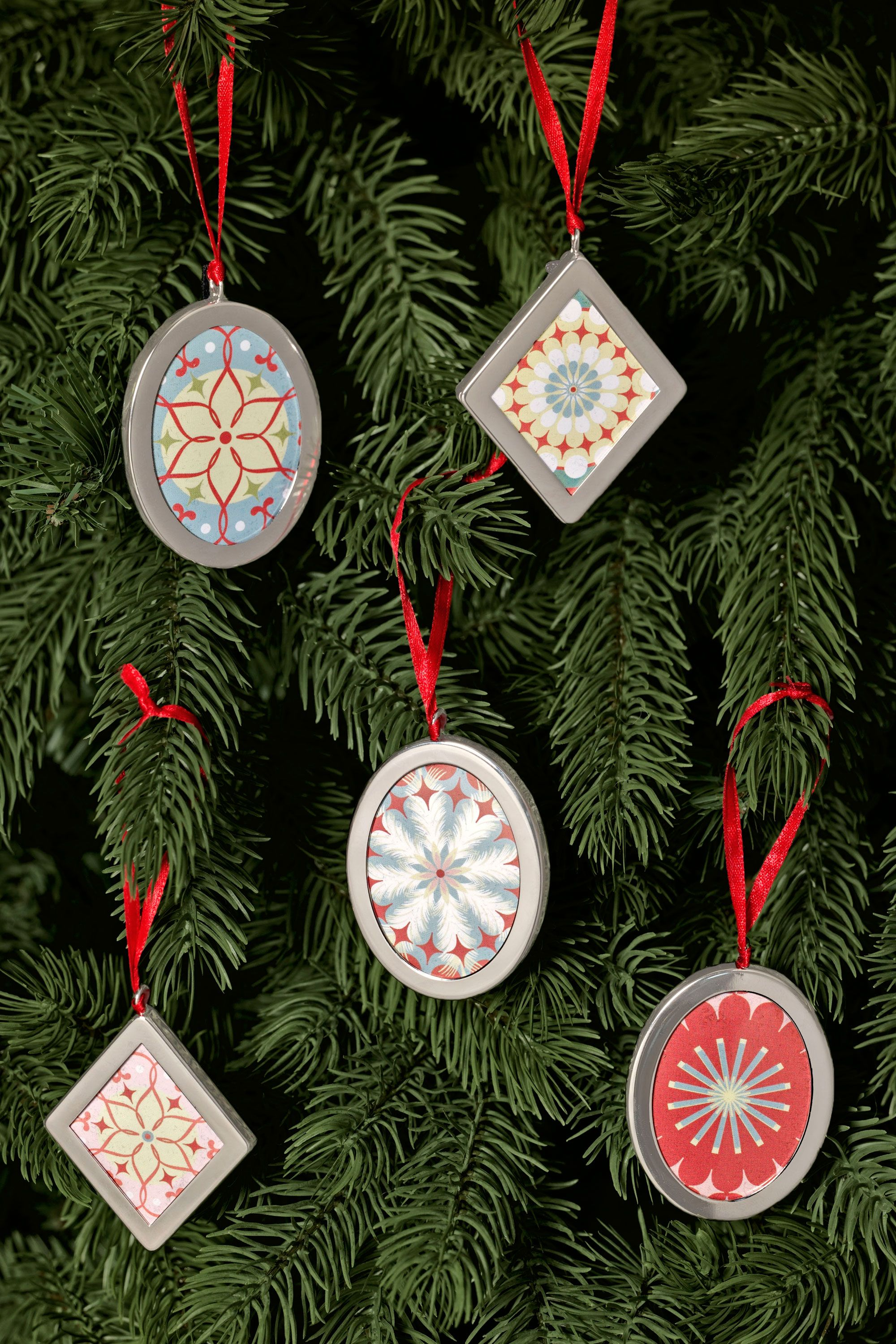 60 Homemade Christmas Ornaments - DIY Crafts with Christmas Tree ...