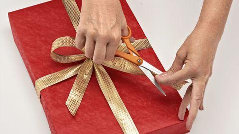 как обернуть подарочный бант