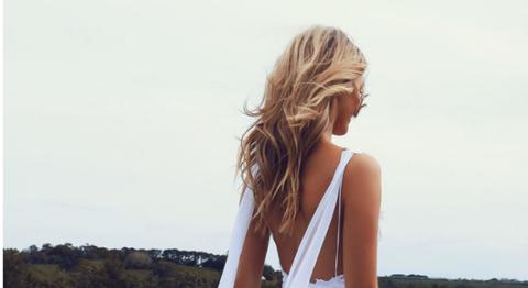 Brown, Hairstyle, Shoulder, Photograph, Summer, Beauty, Sunlight, Sleeveless shirt, Brown hair, Long hair,