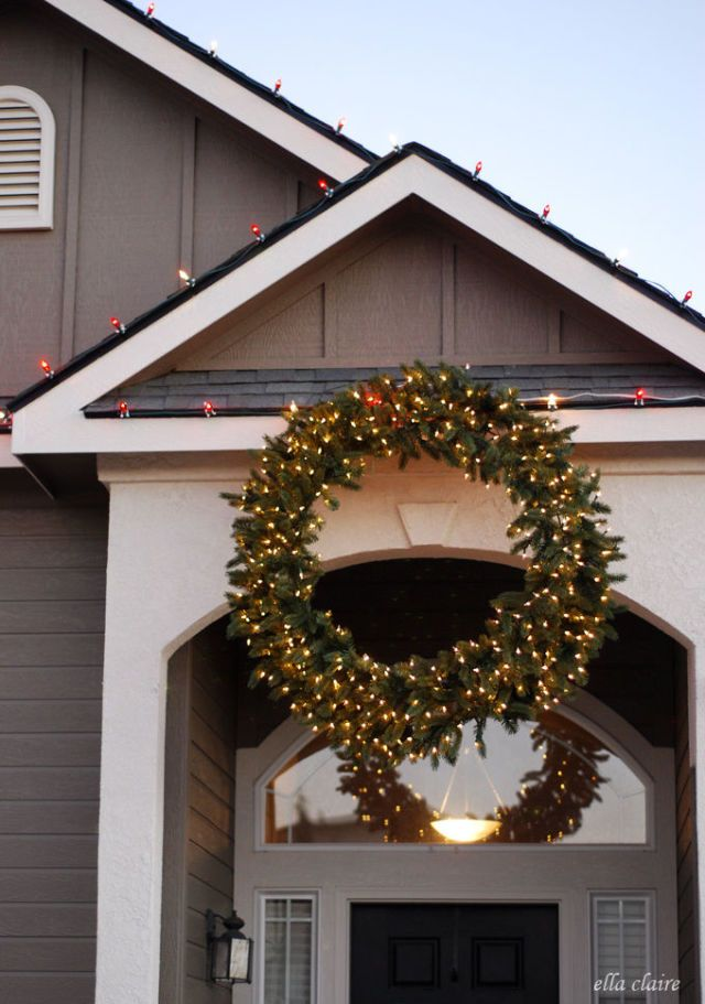 giant christmas wreath trend christmas wreath decorating