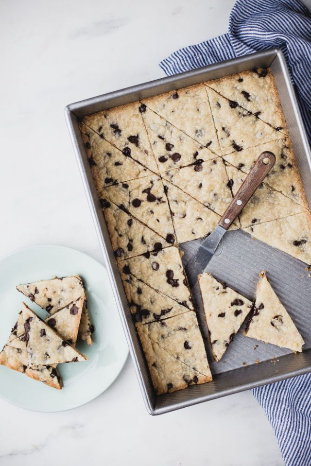 Cookie Brittle is the Crumbly, Buttery Dessert of Your Dreams