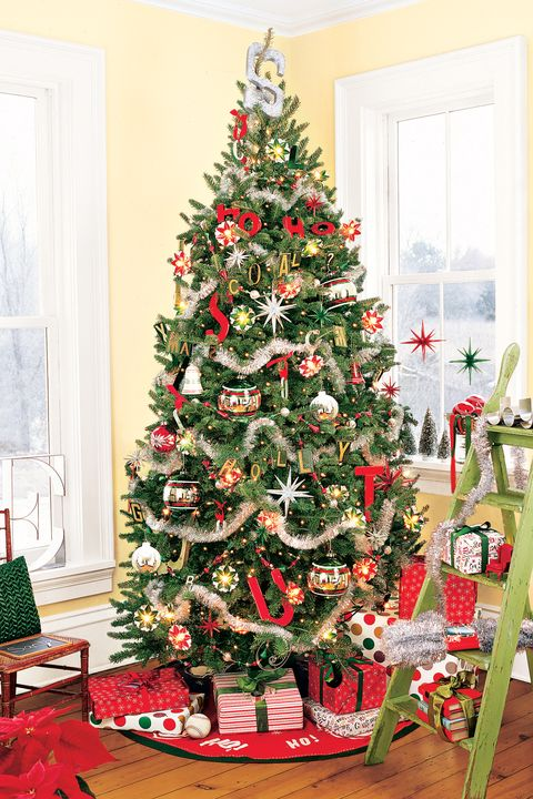 red green traditional christmas tree - 76 Best Christmas Tree Decorating Ideas - How To Decorate A