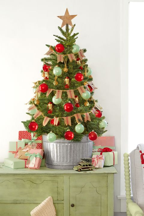 mini country christmas tree - Flocked Christmas Tree Decorating Ideas
