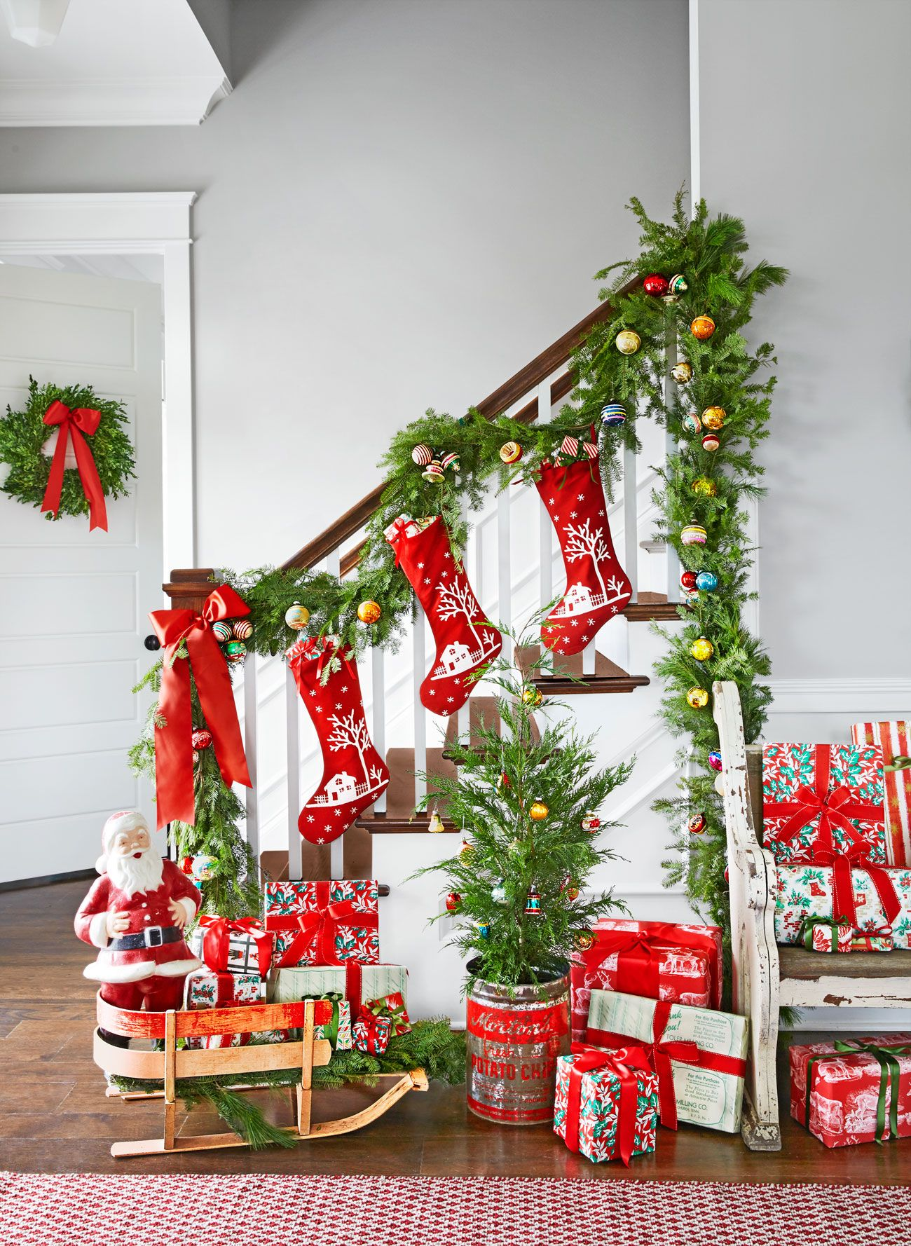 superior Staircase Xmas Decorating Ideas Part - 7: colorful entryway christmas decorating idea