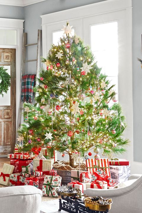 classic plaid traditional christmas tree