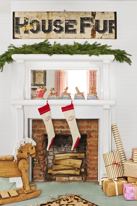 farmhouse christmas mantel - Fireplace Mantel Christmas Decor