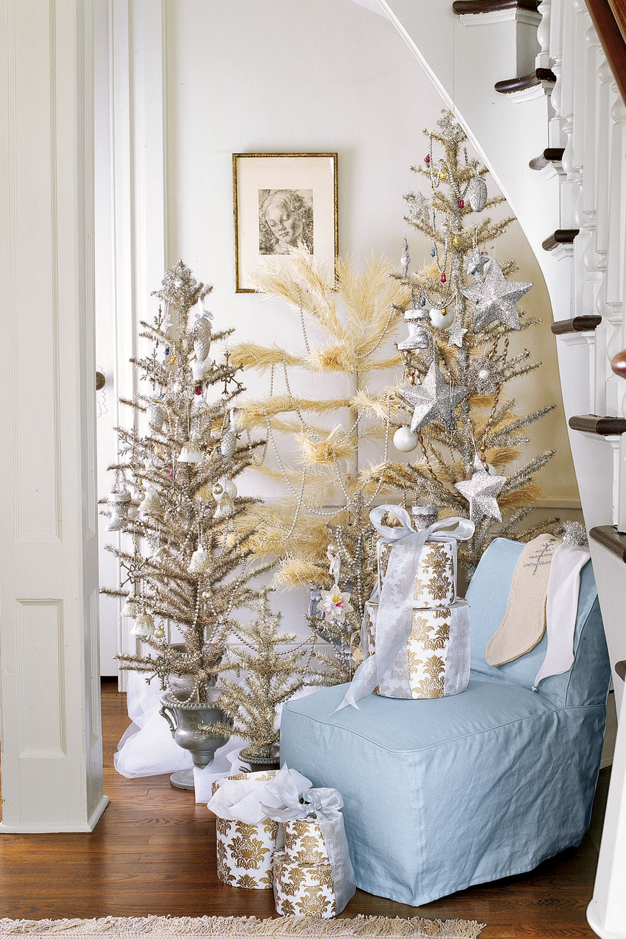 23 Best Small Christmas Trees   Ideas For Decorating Mini Christmas Trees