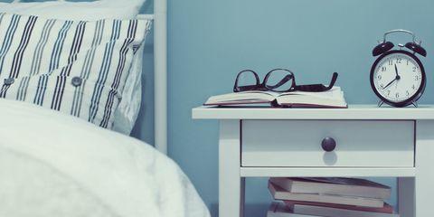 Room, Linens, Shelving, Home accessories, Clothes hanger, Bed sheet, Towel, Bedding, Shelf, Book,