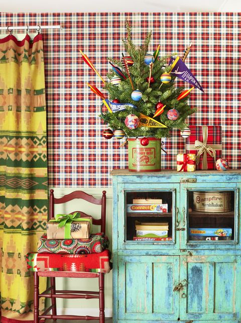 mini christmas tree decorating ideas vintage pennants