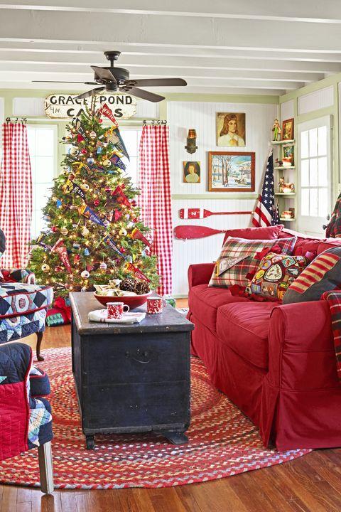 pennant christmas tree