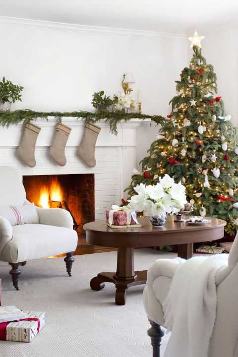 country farmhouse christmas white christmas decor ideas - Farmhouse Christmas Decorating Ideas