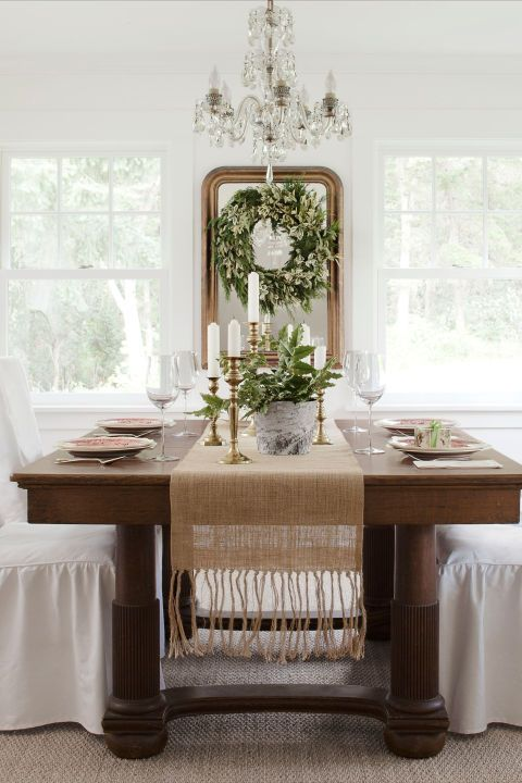 Room, Tablecloth, Interior design, Table, Linens, Glass, Interior design, Fixture, Home, Home accessories,