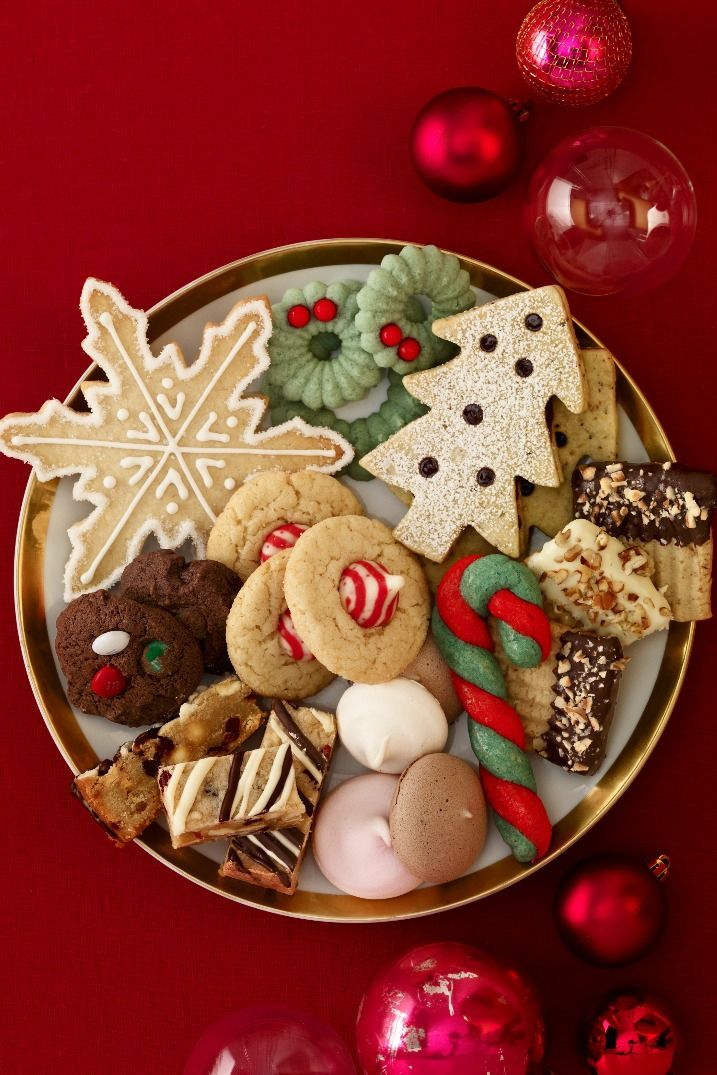 12 Fun Family Christmas Party Ideas - Holiday Party Food and Decor Tips