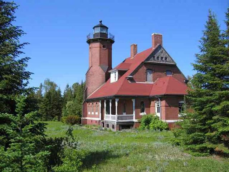 Michigan lighthouse for sale squaw island michigan real estate tom graham sciox Choice Image