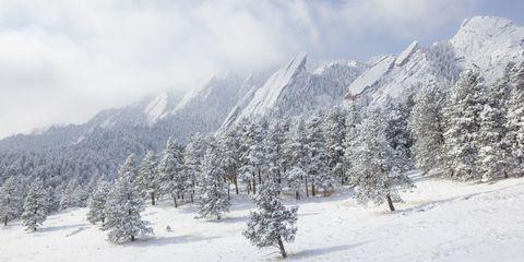 Winter, Mountainous landforms, Freezing, Mountain range, Slope, Terrain, Mountain, Snow, Atmospheric phenomenon, Hill station,