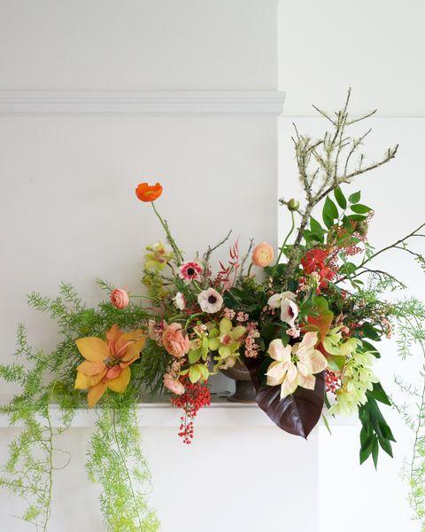 Petal, Flower, Bouquet, Cut flowers, Flowering plant, Floristry, Flower Arranging, Floral design, Creative arts, Artificial flower,